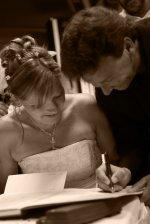 Robienie użytku z tego typu świadczeń dzięki którym uroczystość ślubna stanie się nie do zapomnienia.